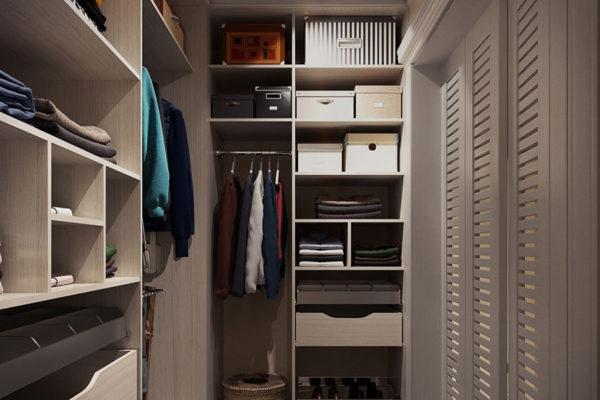 Малогабаритная гардеробная на 2 кв. метра