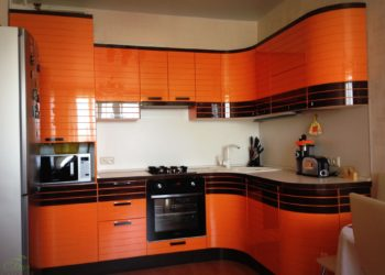 Оранжевая кухня из эмали