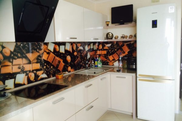 Бежевая кухня МДФ пластик